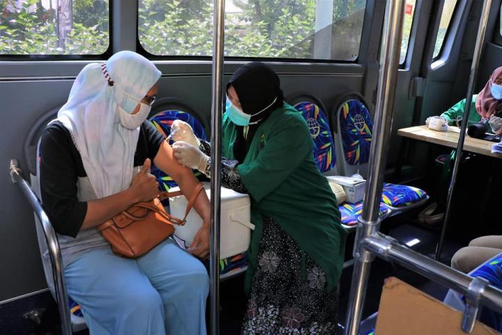 Bus Vaksinasi Pekanbaru Jangkau 15 Kecamatan, 8.545 Warga Telah Divaksin