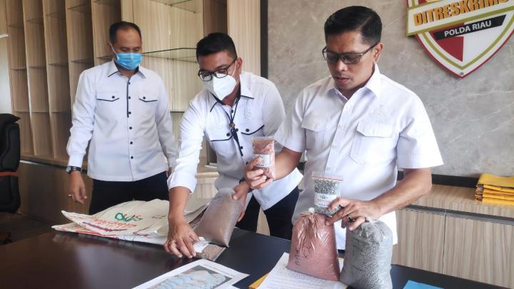 Polisi Bongkar Peredaran Pupuk Palsu, Banyak Dijual ke Petani di Rohul