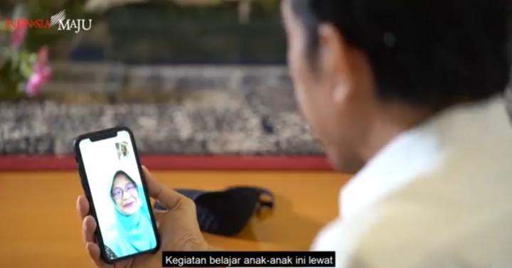 Video Call Bu Guru dengan Jokowi: Anak-Anak Kangen Sekolah, Pak Presiden