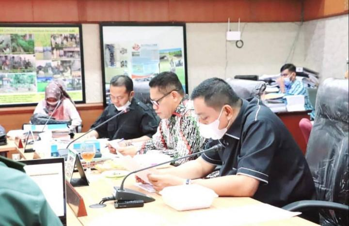 Konflik Desa Pangkalan Gondai, DPRD Nilai PT SRJ Bertanggung Jawab