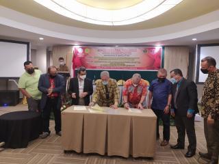 AAI dan PWI Riau Teken MoU Bantuan Hukum