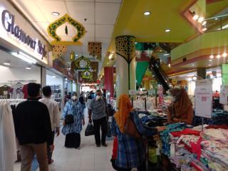 Mall Mulai Ramai, Kata Pengunjung: Buruan Belanja Biar Fokus Ibadah