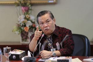 Tegas! Pemprov Riau Tak Akan Beri Bantuan Hukum ke Kadis ESDM