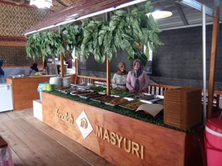 Teratak Masyuri Cafe & Resto Hadirkan Aneka Sajian Khas Kampung, Sambalado Tanaknya Woow..!!!