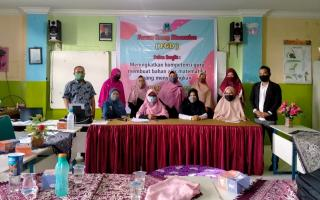 SD Al Ulum Tingkatkan KemampuanGuru Mengajar DaringMelalui FGD dan Pelatihan