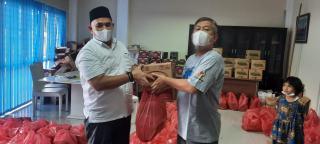 PWI Riau Bagikan 500 Bingkisan Lebaran untuk Wartawan