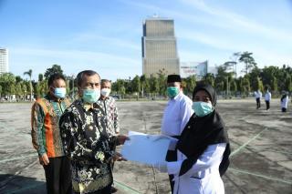 108 Guru Honorer Riau Dapat SK dari Gubernur, ApaBedanya dengan PNS?