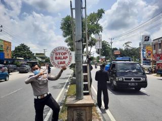 10 Imbauan Tertib Lalu Lintas Dipasang di Jalan HR Subrantas, Ini Alasannya