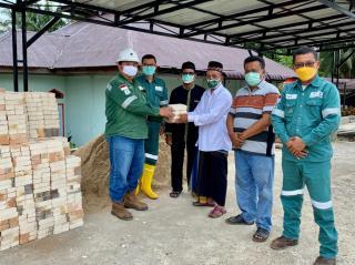 PT SPR Langgak Serahkan Bantuan Pembangunan PAUD dan Rumah Gharim