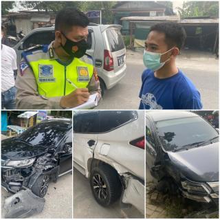 Tiga Mobil Terlibat Kecelakaan, Begini Kejadiannya