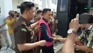 Ditetapkan Tersangka Kasus Bimtek, Kadis ESDM Riau Ditahan