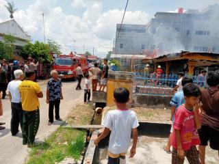 Rumah Bulatan Ludes Terbakar, Ditaksir Rugi Ratusan Juta