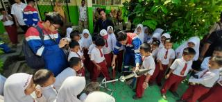 Pertamina Energi Negeri, Ratusan Relawan Turun Mengajar ke Sekolah