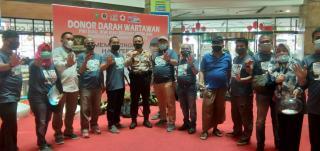 Lampaui Target, PWI Riau Berhasil Kumpulkan 96 Kantong Darah