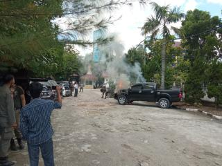 Alarm Berbunyi, Toyota Hilux Terbakar di Parkiran MPP